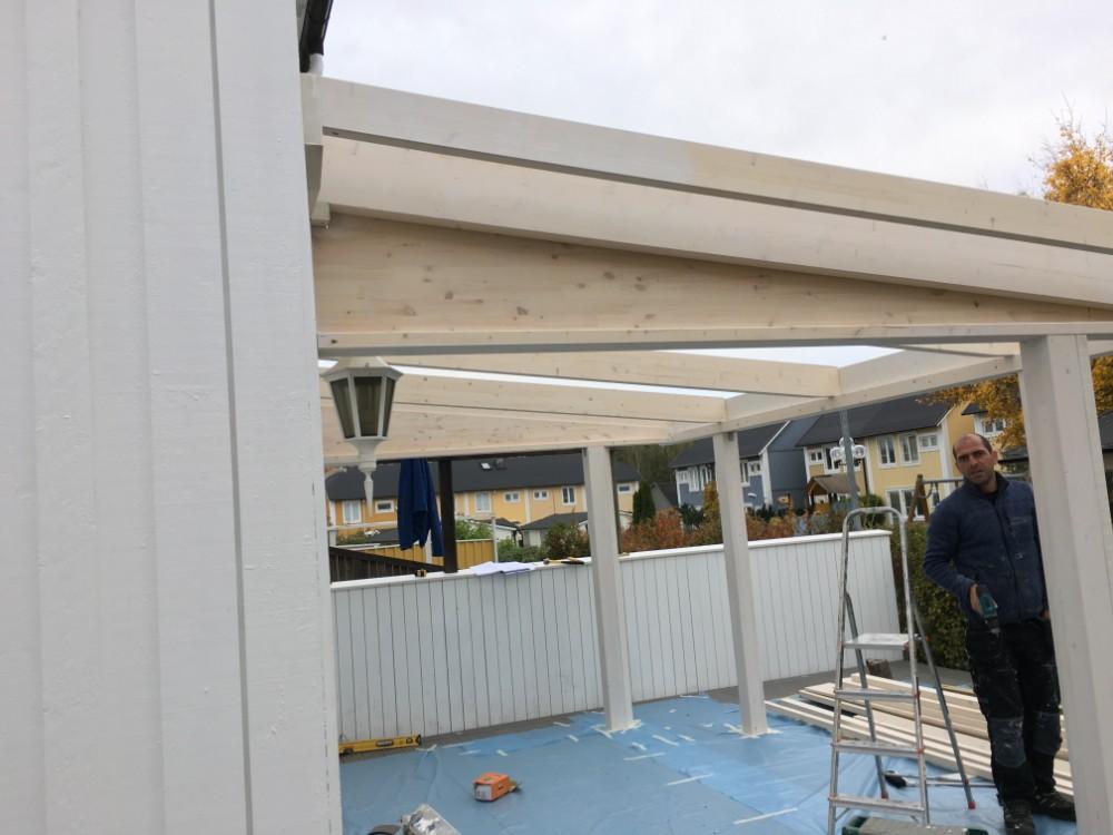 Bygga av ny altan och uterum